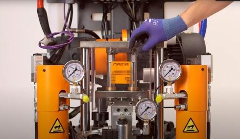 GAMA Easy Spray Hydraulik 230V 20M Heizschlauch Installation und Inbetriebnahme Polyurea Anlage